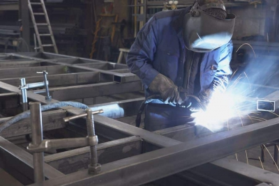 Assembly and maintenance of steel structures