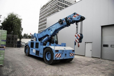 RENTAL OF EQUIPMENT WITH OPERATOR